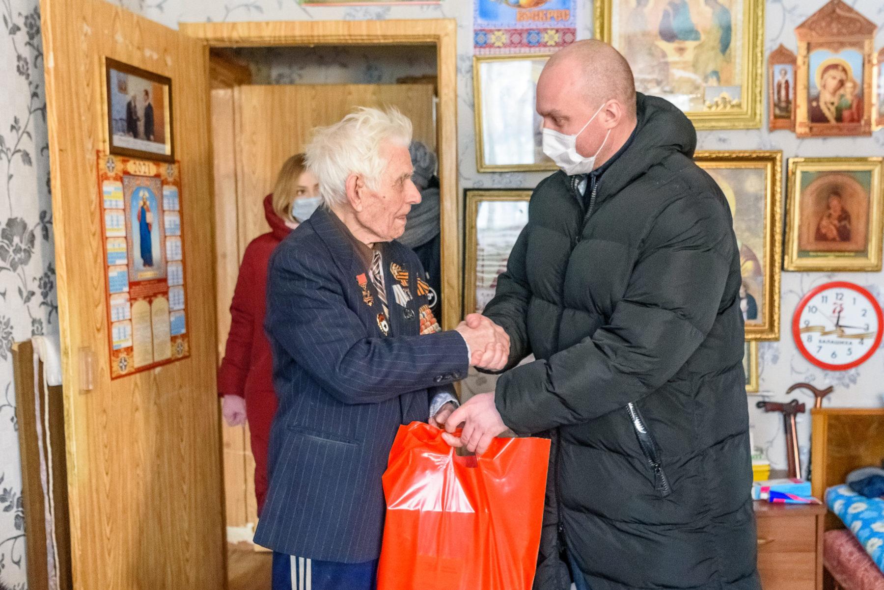 Ветеранов Великой Отечественной войны поздравили в Балашихе
