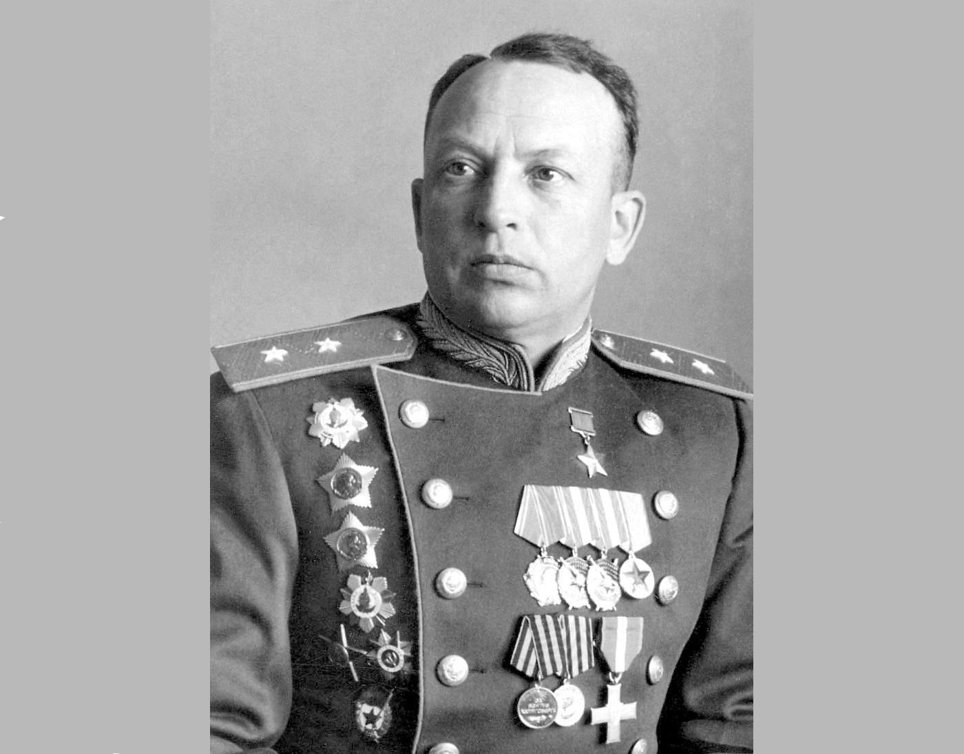 Георгий Байдуков работал на центральном командном пункте ВВС в Балашихе
